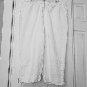 Fashion Bug White Capris
